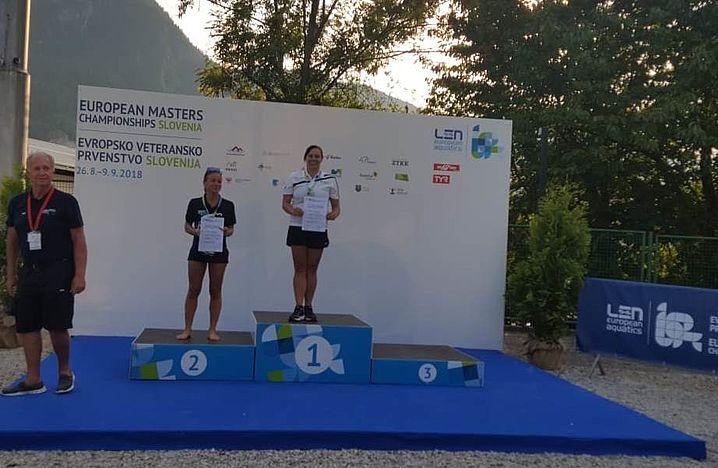 Nina Schubert gewinnt vom 1m-Brett ih erstes Gold. Foto: privat