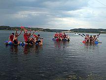 Teambuilding beim Floßbau