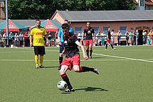 DSC-Kapitän Julius Wetzel am Ball