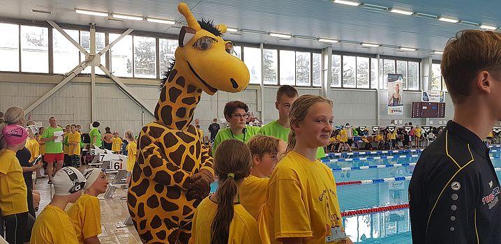 Milena Scheffler freut sich auf die Staffelsiegerehrung. (c)Foto:Oehme