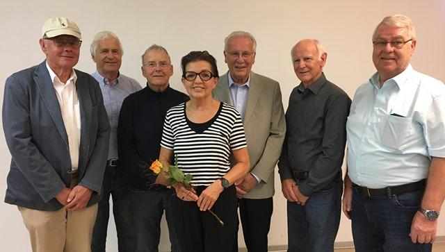 Die neue Abteilungsleitung: v.li.: Dietmar Wolf, Günter Theeg, Günter Kraut, Eva Sauer, Dr. Hans Peter Klotzsche (Leitung), Bernhard Fender, Werner Reuter. Copyright: DSC Gesundheitssport